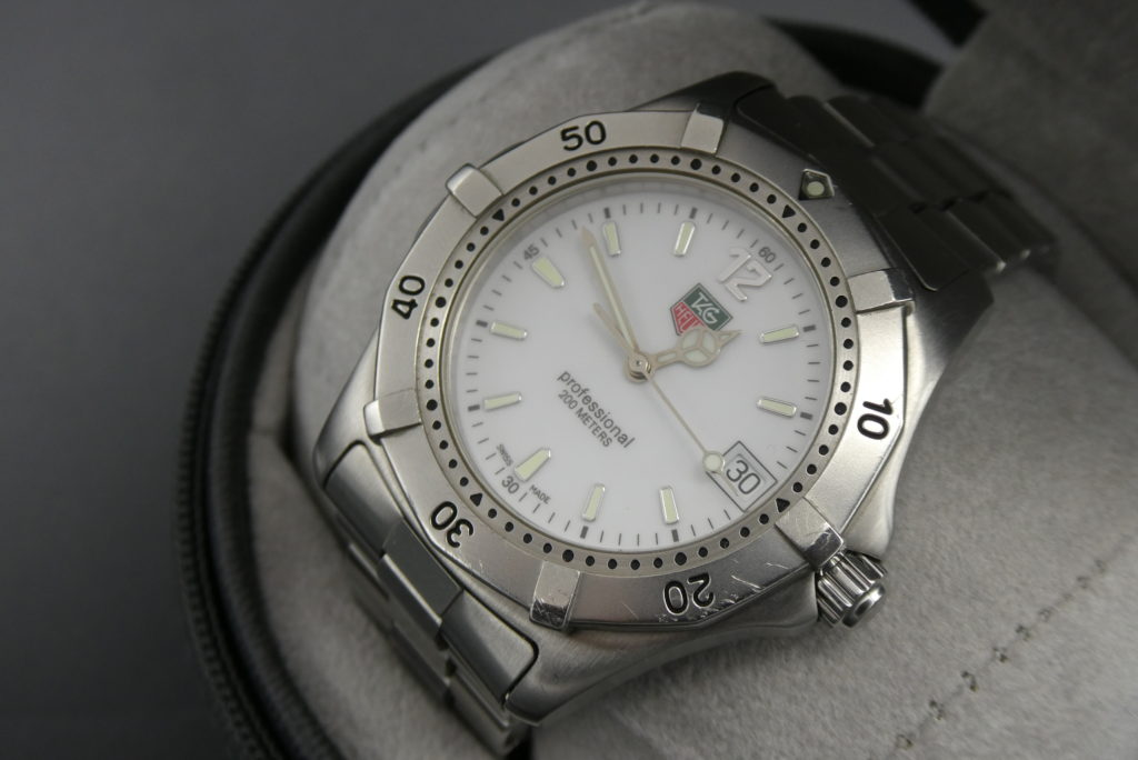 sell-sued-vintage-tag-heuer-professional-watch